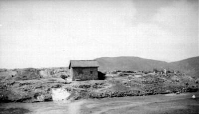 Casa en la cima de un cerro, vista lateral