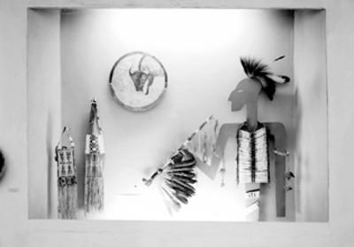Objetos arqueológicos de norteamérica en exhibición