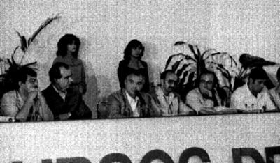 Miguel de la Madrid pronuncia discurso durante reunión de consulta popular
