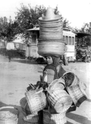 Vendedora de sombreros y canastas, reprografía
