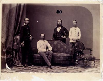 Maximiliano de Austria y familiares