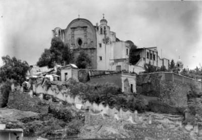 Iglesia y monasterio no identificado