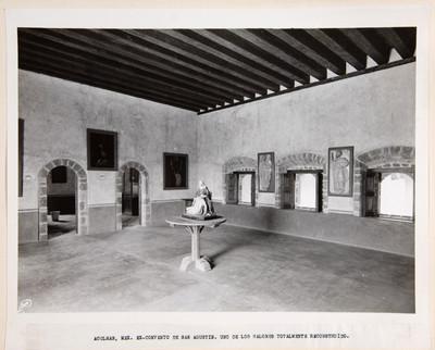 Acolmán, Mex. Ex-convento de San Agustín. Uno de los salones totalmente reconstruído