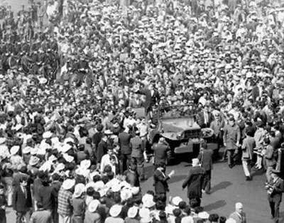 EL presidente Díaz Ordaz celebra la Marcha de la Lealtad recorrido que realizara el presidente Madero en 1913