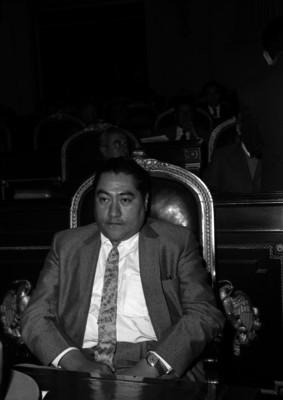 Salvador Olmos Hernández en la Cámara de Diputados durante una sesión, retrato