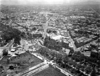 Monumento a Cuahutémoc en Paseo de la Reforma