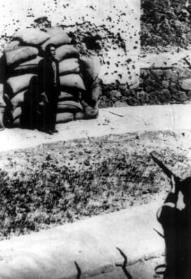 José de León Toral al momento de ser fusilado