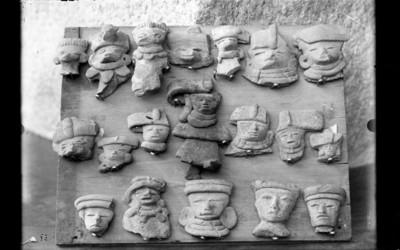 Figurilla de barro teotihuacanas de la fase Tzacualli-Miccaotli