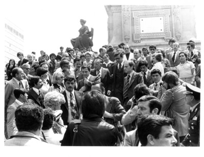 Santiago Roel y Adolfo Suárez en el Monumento a la Independencia