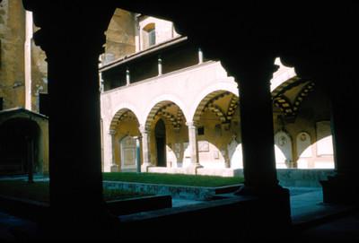 Vista lateral de los claustros en la Iglesia de Santa Maria Novella