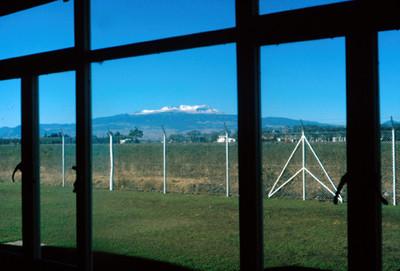 Volcan Iztaccihuatl, vista por una ventana