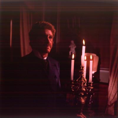 Hugo Stiglitz durante escena de la película El Señor de Osanto