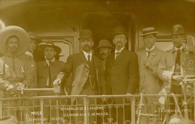 El caudillo Sr. F[rancisco] I. Madero llegando a la C. de México