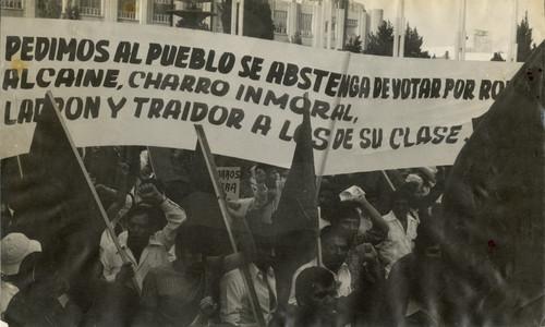Trabajadores electricistas durante manifestación por la Tendencia Democrática