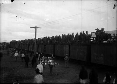 Tropas federales sobre un ferrocarril