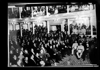 Sesión del Congreso Constituyente en el Teatro Iturbide de Querétaro
