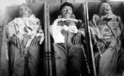 Cadáveres de los generales Manuel M. Diéguez, Alfredo, García, Gisóforo N. Ocampo