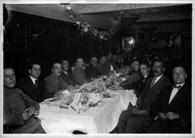 Comida en honor al gobernador Carlos A. Vidal