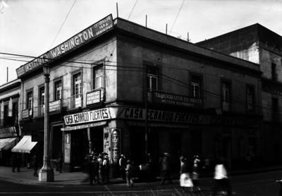 """""""Instituto Washington"""" ubicado en la esquina de 1a. calle de Soto y Av. Hidalgo, fachada"""