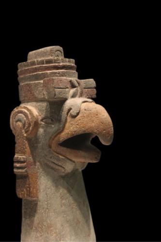 Escultura zoomorfa (águila)