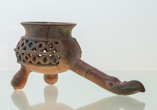 Sahumeador de barro con mango cabeza de ave para copal