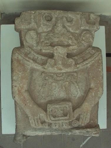 Escultura antropomorfa mítica