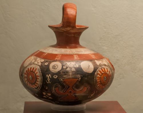 Vasija de barro tipo jarra