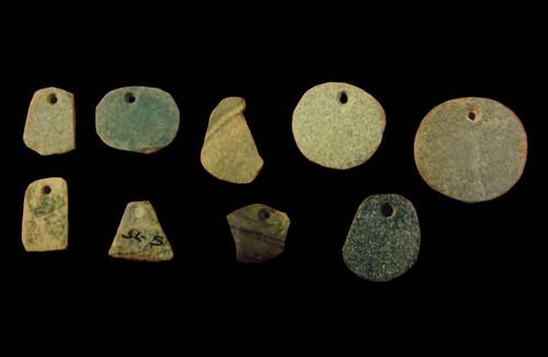 Pendientes de piedra verde