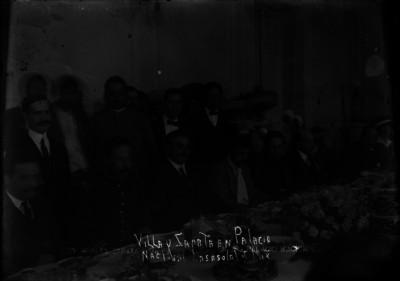 """""""Villa y Zapata en Palacio Nacional"""" junto a Vasconcelos, banquete"""