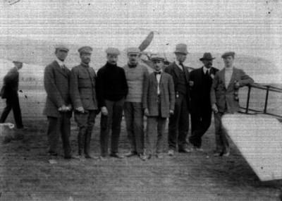 Roland Garrós, Edmond Audemars, René Simón, René Barrier y otros hombres en Balbuena