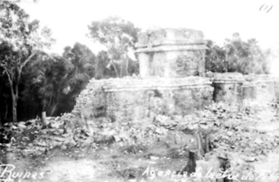 Vista del Templo del Dios Descendente antes de su restauración