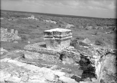 Vista posterior del Templo de los Frescos