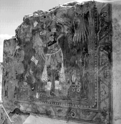 Vista del hombre-pájaro en el muro sur del pórtico A