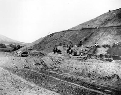 Vista de las exploraciones de Leopoldo Batres en la Pirámide del Sol