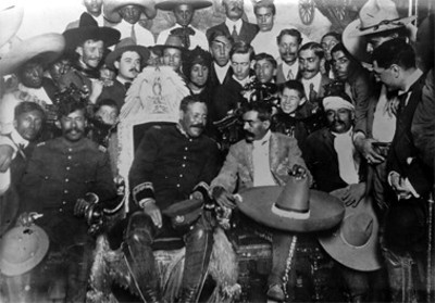 Villa y Zapata en Palacio Nacional, retrato de grupo
