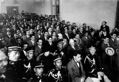 Aspecto que presentaba el salón de jurados instalado en el Palacio Municipal en San Ángel donde tenian efecto las audiencias